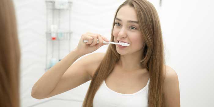 bleeding-gums-while-brushing